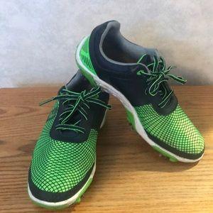 Size 4 Youth FootJoy (FJ) golf shoes